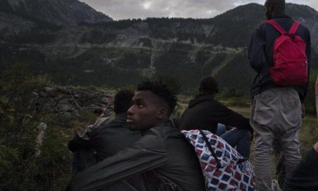 frontiera migranti al colle della scala