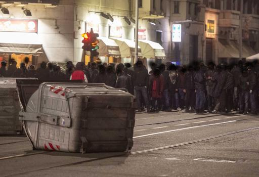 Torino: Sindaca Appendino, Esposito e Salvini a braccetto